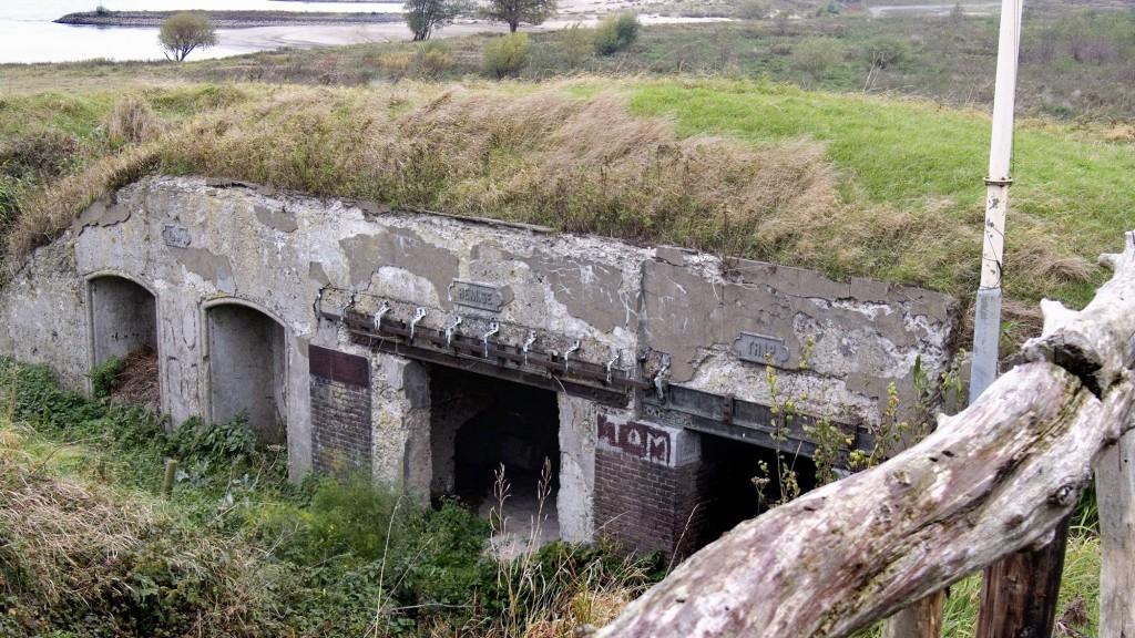 web-Fort Pannerden-Over het fort-historie-kruitopslag_verval A 001